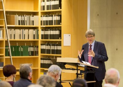 Bibliotheksdirektor Dr. Reinhard Laube