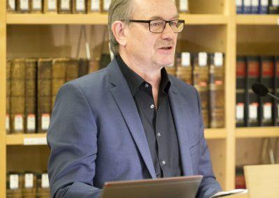Hannes Möller bei der Einführung in die Ausstellung